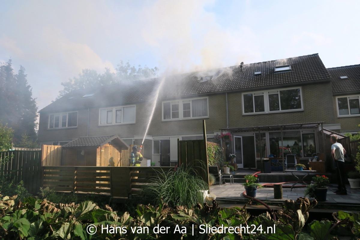 politie   u0026 39 brand elzenhof ontstaan rond cv-ketel u0026 39