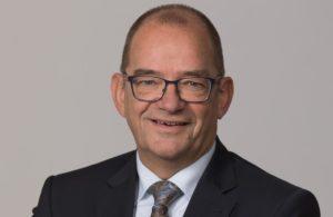 Beëdiging en installatie wethouder Piet Vat @ in extra-raadsvergadering gemeente Sliedrecht